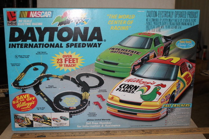 Nascar Ho Scale Electric Racing Set Daytona International Sdway Collectible Toys Memorabilia Eon Trucks More Rice Auctions