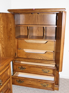 Chest of Drawers (2nd Floor)